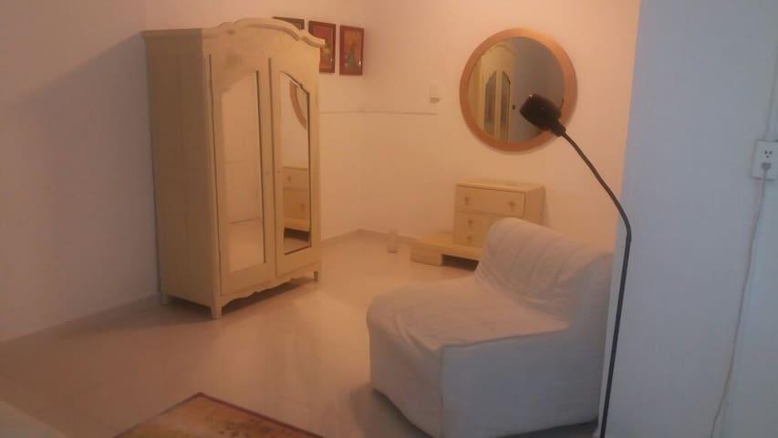 Recamara privada en casa canalera - Panamá - Hus