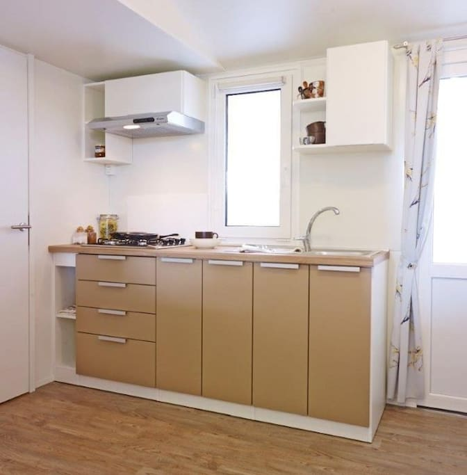 Mobile Home Bronze Interior