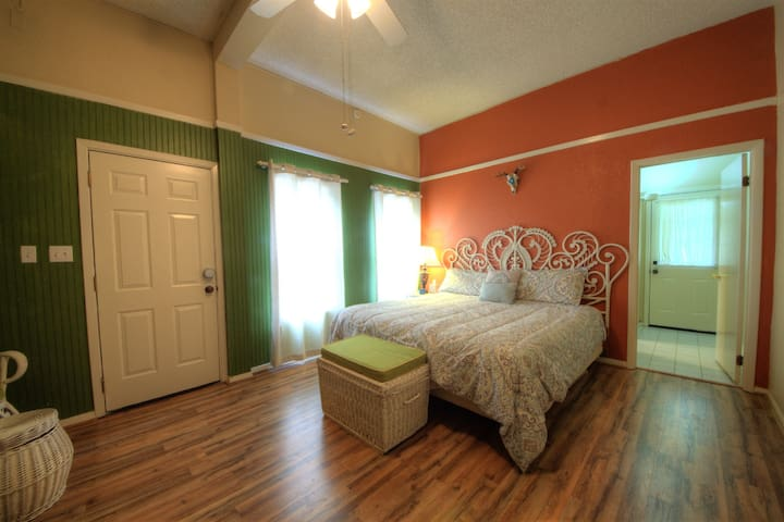 Private Guest Casita Near Downtown Harlingen