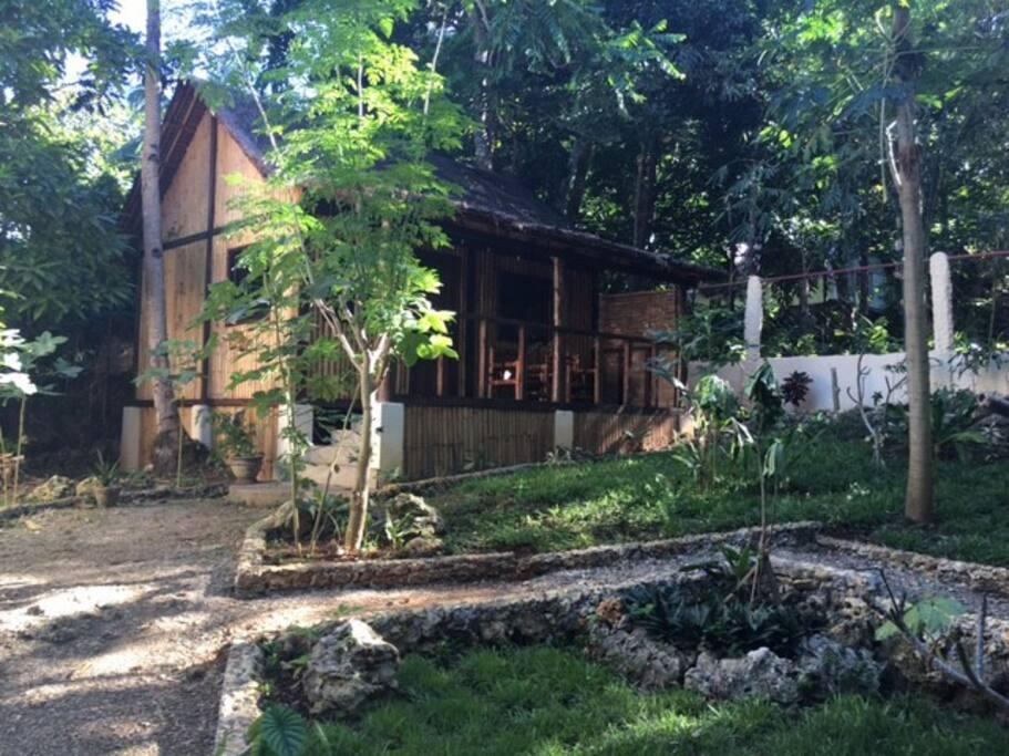 LITTLE Bulabog House