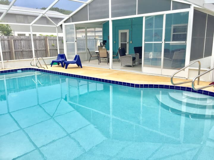 """""""Dune Our Thing""""  Fantastic Pool Home! - Walk to the Beach, 3 bedroom/1.5 bath"""