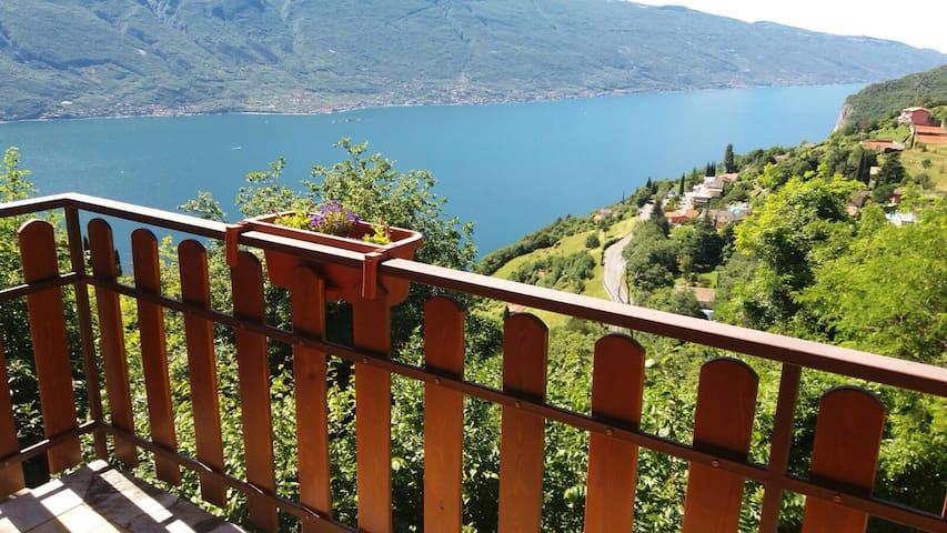 Casa Elena - Vista lago, giardino privato e Wi-fi