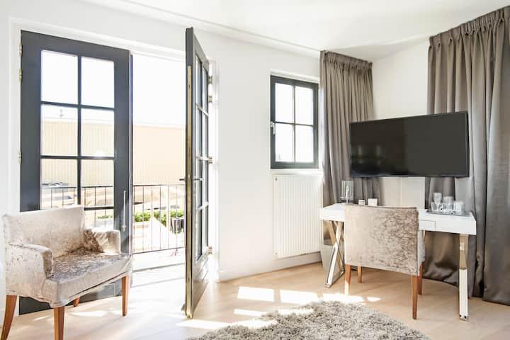 Luxurious Hotelroom in Loosdrecht