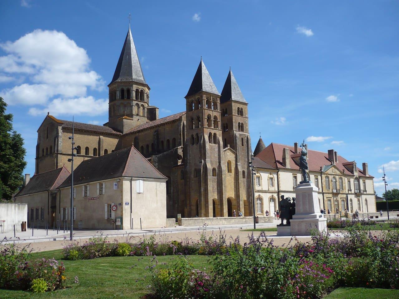 Paray le Monial  : sa basilique