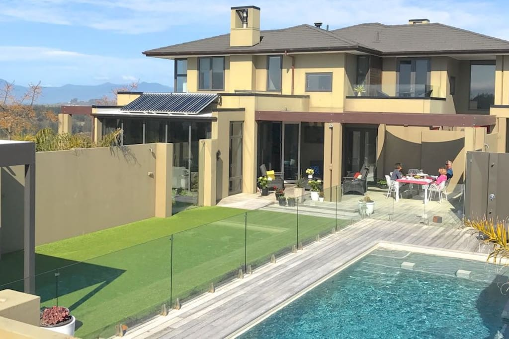 Ansarli Villa, Tasman Luxury Holiday Home