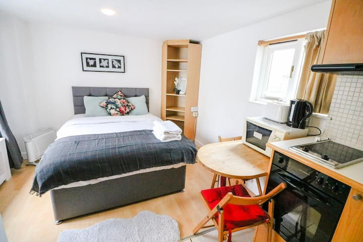 Lovely Studio For Couples Bayswater