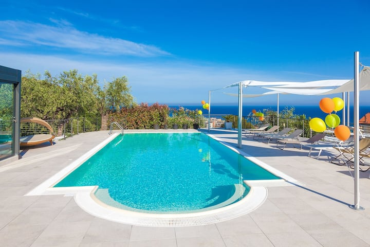 Villa il Poggiolo - Modern Hi-Tech villa, for 22, with Jacuzzi and pool, sea-view 8027/CAV23+LT4