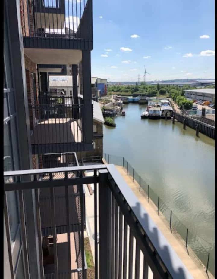Brand new river view apartment Barking/Stratford