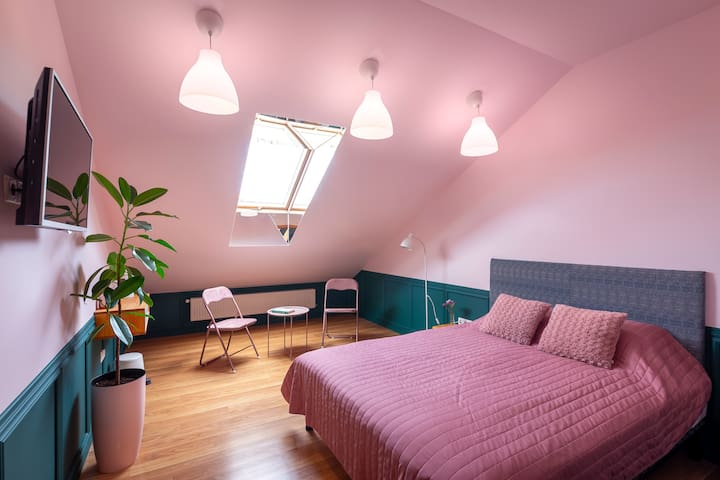 Pink roof room