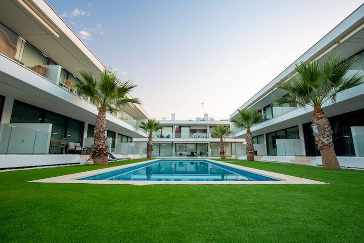 Luxe nieuwbouw penthouse op 600 m van het strand!