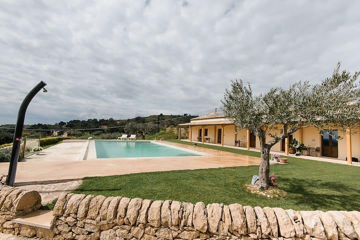 Casa de campo para 5 personas en Sicilia – Ragusa