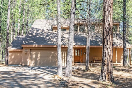 Black Butte Ranch.  Spacious Home on 7th Hole