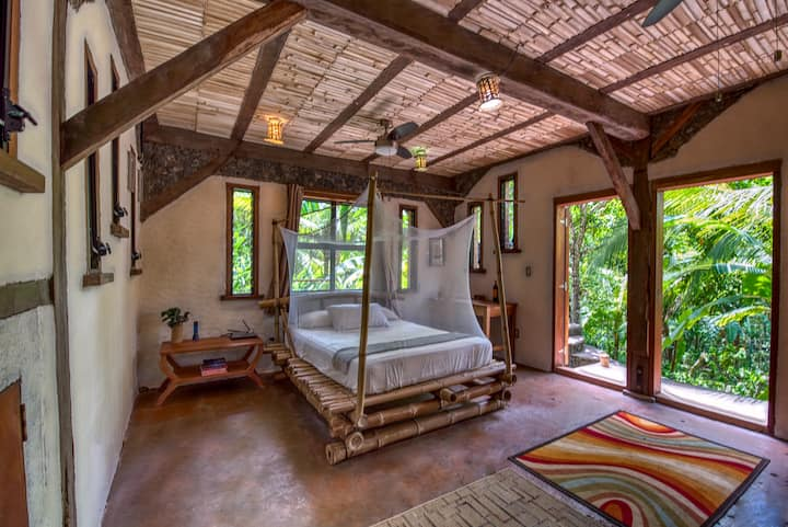Selvista: Forest View, Jungle House - Comfy Suite