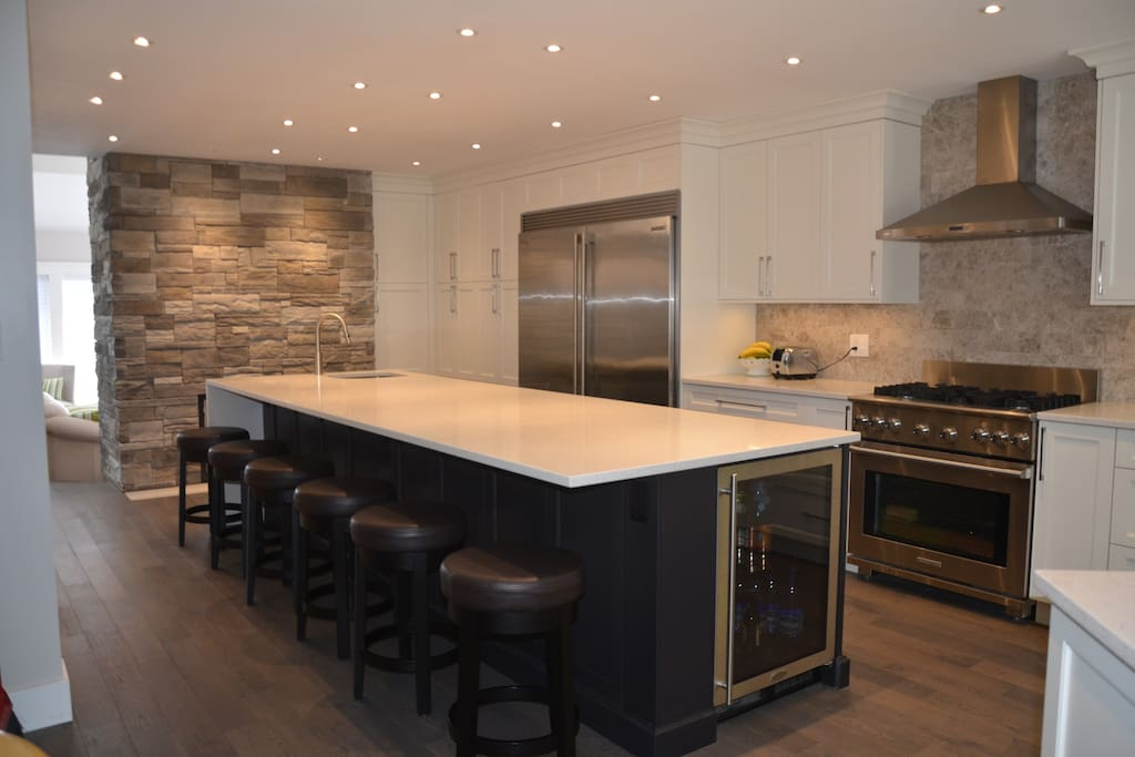 Kitchen island with 7 stools