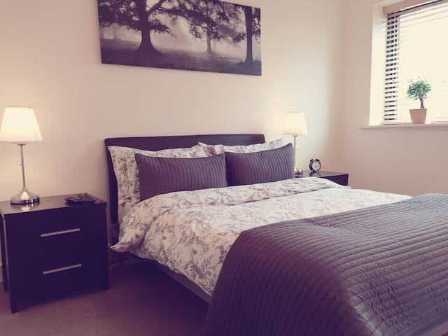 River-view apartment (25min walk to town) - Dublin - Appartement