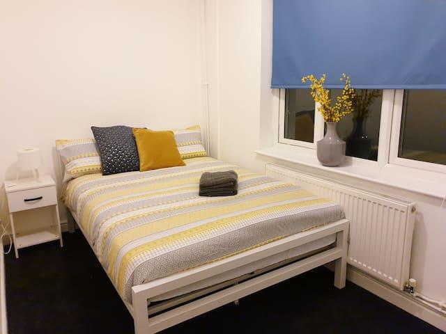 Cosy Room Northampton (3)