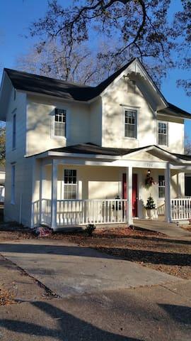 Nice 3BR historical home - Decatur AL - FURNISHED