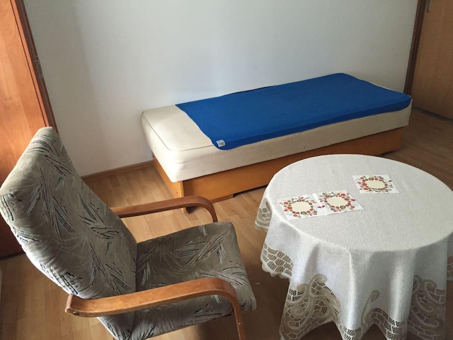 chambre pas cher 15m2 pr s de l 39 a roport maisons de ville louer pozna wielkopolskie pologne. Black Bedroom Furniture Sets. Home Design Ideas