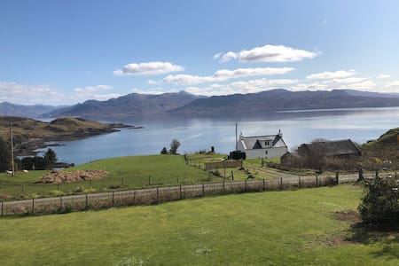 The Wee Croft House  (Sleat, South Skye)