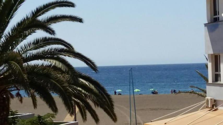 Precioso apartamento primera linea de playa