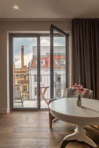 Studio mit Balkon - gemütlich & modern eingerichtet - Direkt in Berlin Mitte