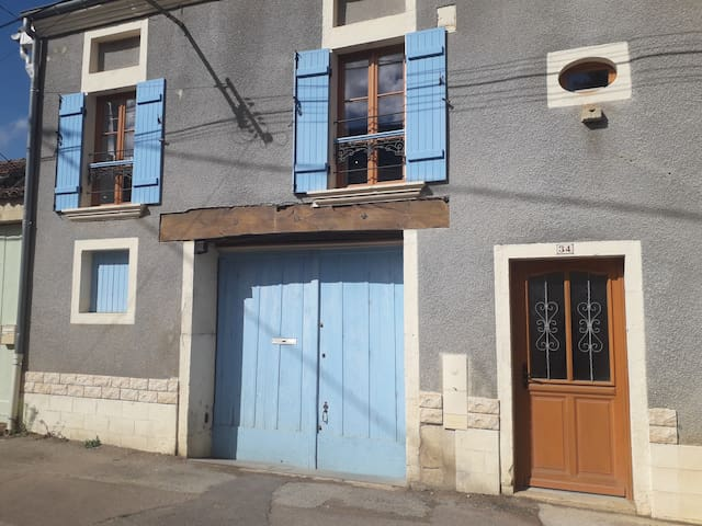 Rully 71150 - maison dans village viticole - 4pers