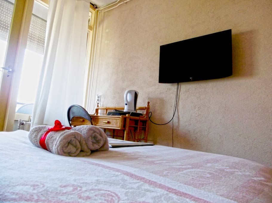 Tiger Room, Double Bed, Balcony, HD TV