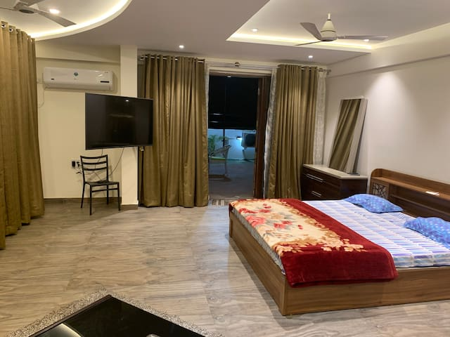 Luxurious 1 BHK Pent house to Chill relax & enjoy