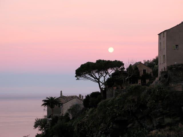 Nonza, maison face à la mer