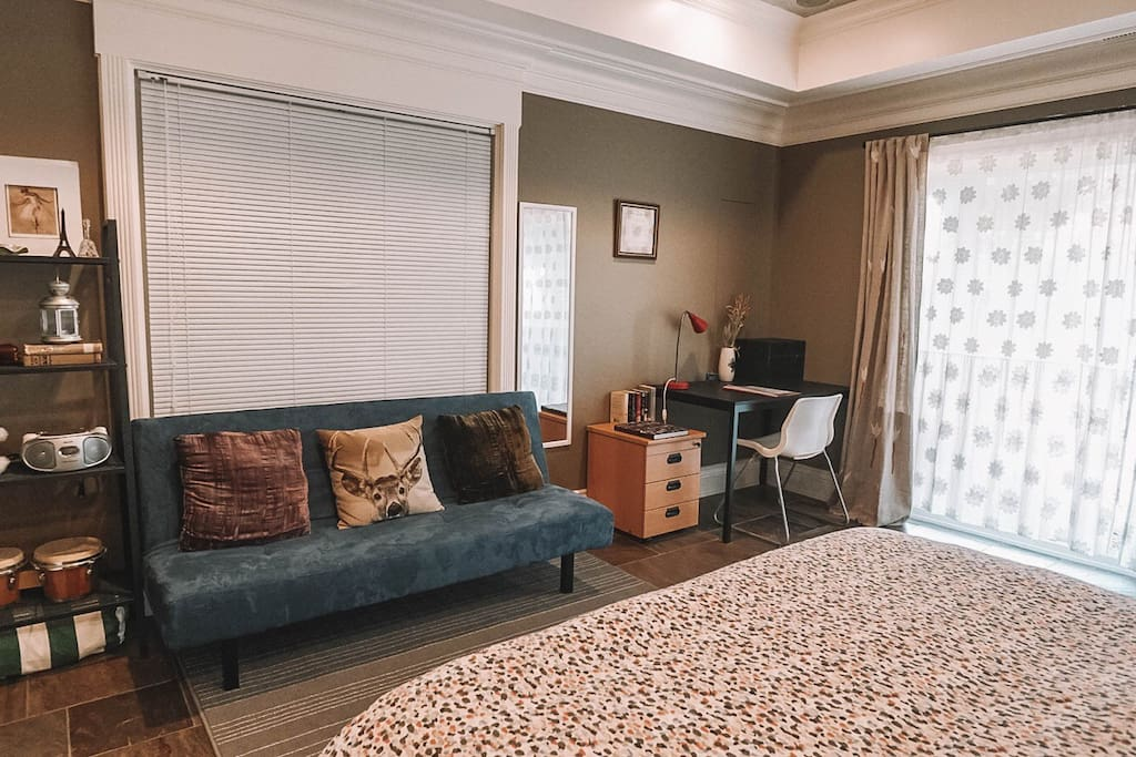 Charming Two Bedroom Garden Suite West Vancouver Houses For Rent In West Vancouver British