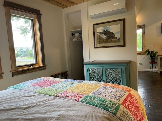 Queen bedroom with closet.