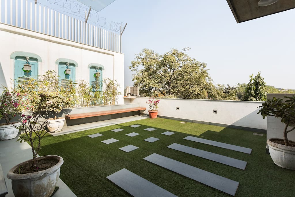 Contemporary house with terrace houses for rent in new for Terrace 6 pub indore