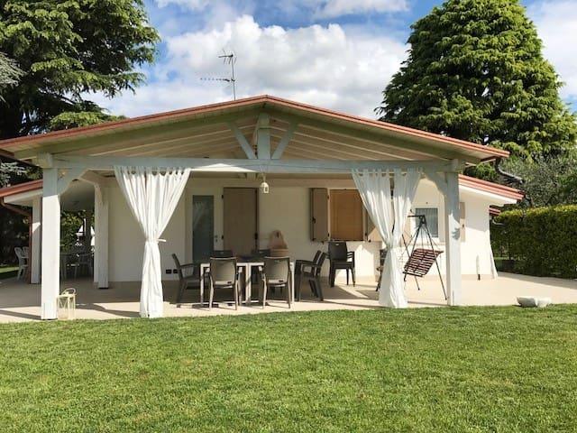 relax e sport per famiglie sul lago di Garda - Bardolino - Villa