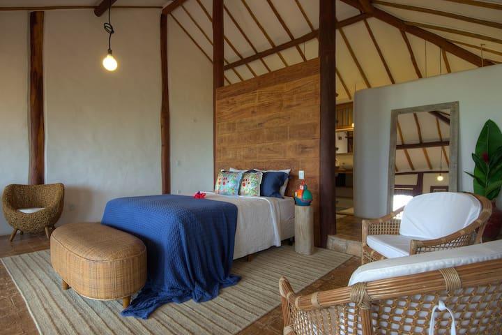 Suíte principal, ampla e confortável, com mais de 50 m2.
