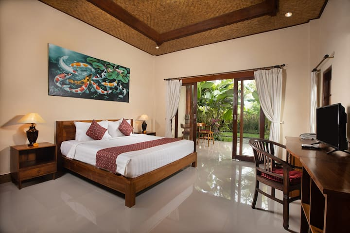 Deluxe Double or Twin W/Garden View in Center Ubud