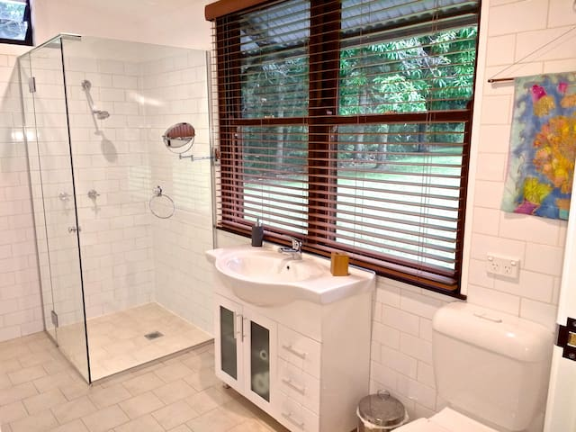 Peaceful, private space surrounded by nature. - Mullumbimby Creek - Stuga