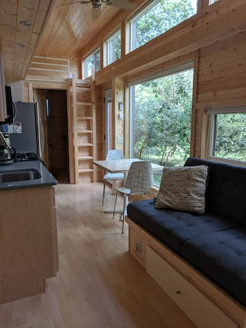Tiny House in East Side Citrus Grove