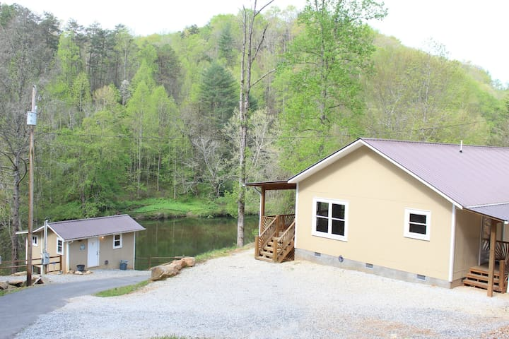 Oconaluftee Lake Cabin Rental - Whittier - Casa