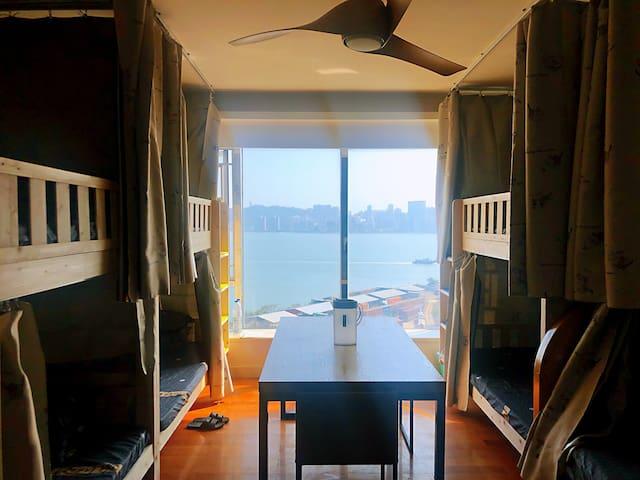海景公寓中的看海床位/近美高梅/永利/凱旋門,交通便利,樓下150米通網碼頭/關口/機場免費大巴。