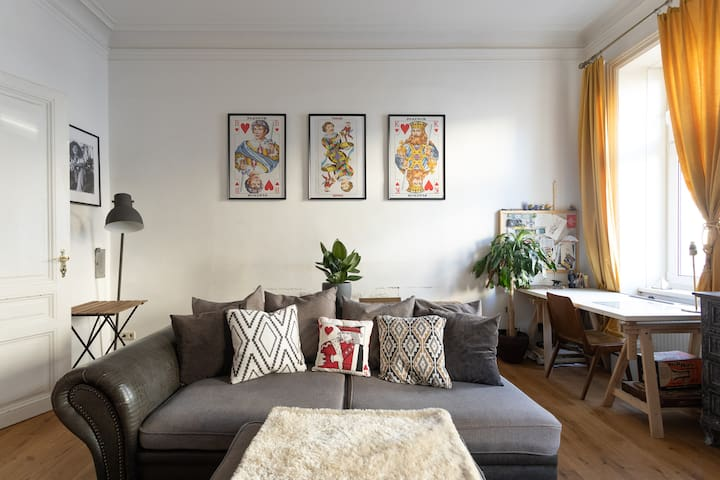 Arty traditional Viennese Apartment near Belvedere