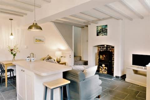 Rhydwen - Riverside Cottage - sleeps 3