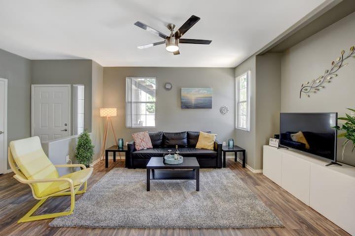 Safe, Quiet & Gorgeous Home | 15 Minutes to Strip!