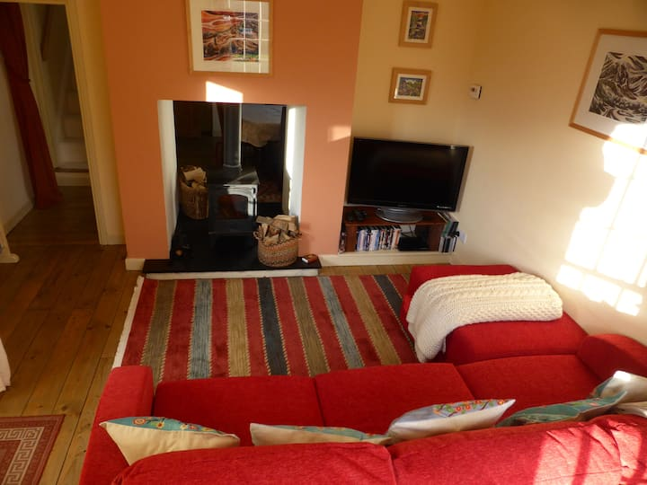 Isfryn - a bright and welcoming cottage for two