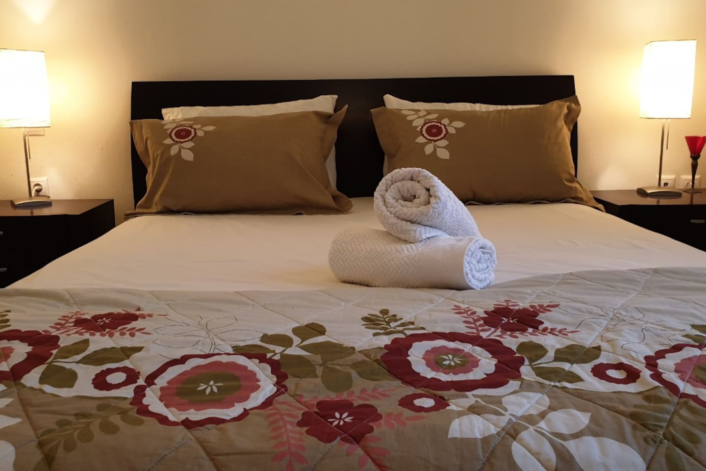 A peaceful & relaxing stay close to the metro of Athens.