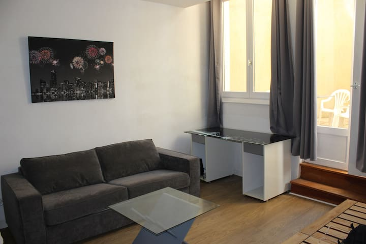 APPARTEMENT DE 2 PIECES EN HYPER CENTRE VILLE