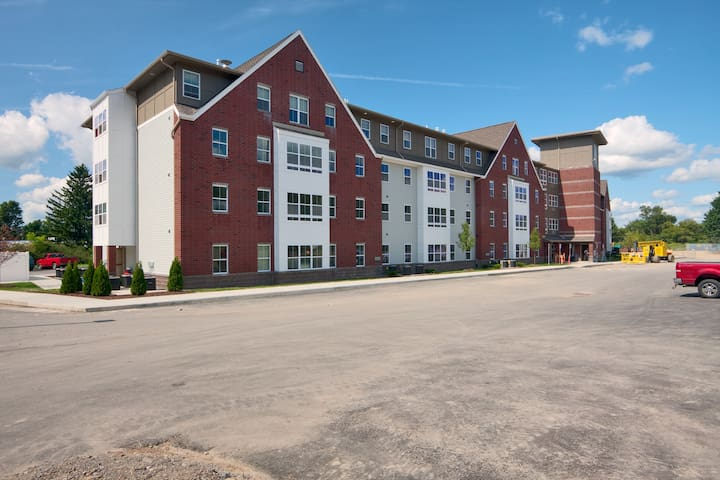 College Suites at Cortland - Cortland - Appartement