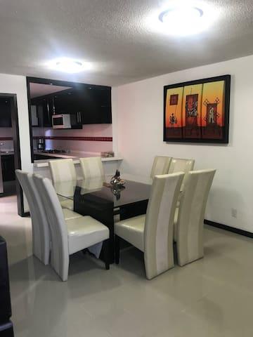 """Preciosa y comoda casa, recien remodelada """"Choco"""""""
