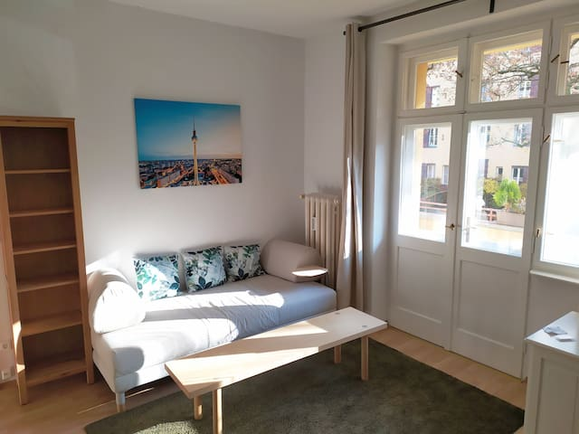 Cozy and quiet two-room flat with sunny balcony