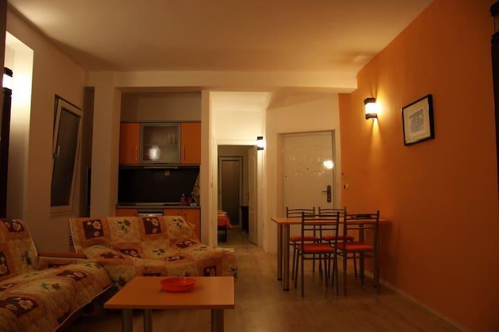 Orange Lake View Apartment No.2 - Apartments Vela
