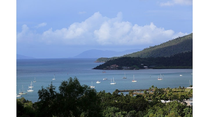 Laguna Views - Airlie Beach